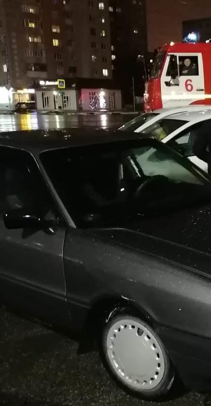 Спасатели МЧС России приняли участие в ликвидации ДТП в городе Старый Оскол