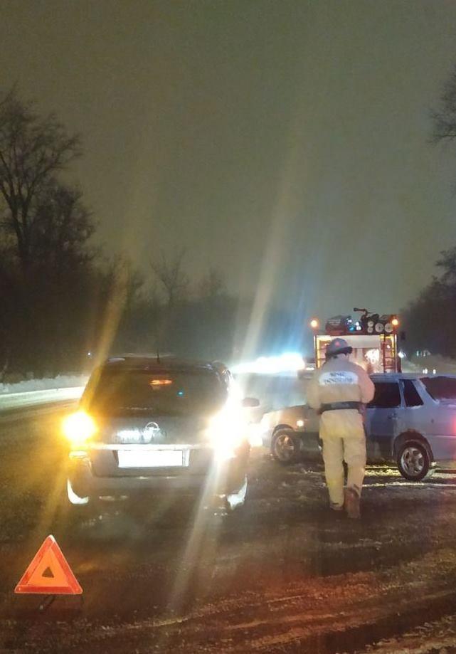 Спасатели МЧС России приняли участие в ликвидации ДТП в городе Строитель Яковлевского городского округа