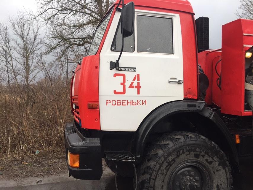 Спасатели МЧС России приняли участие в ликвидации ДТП в селе Айдар Ровеньского района