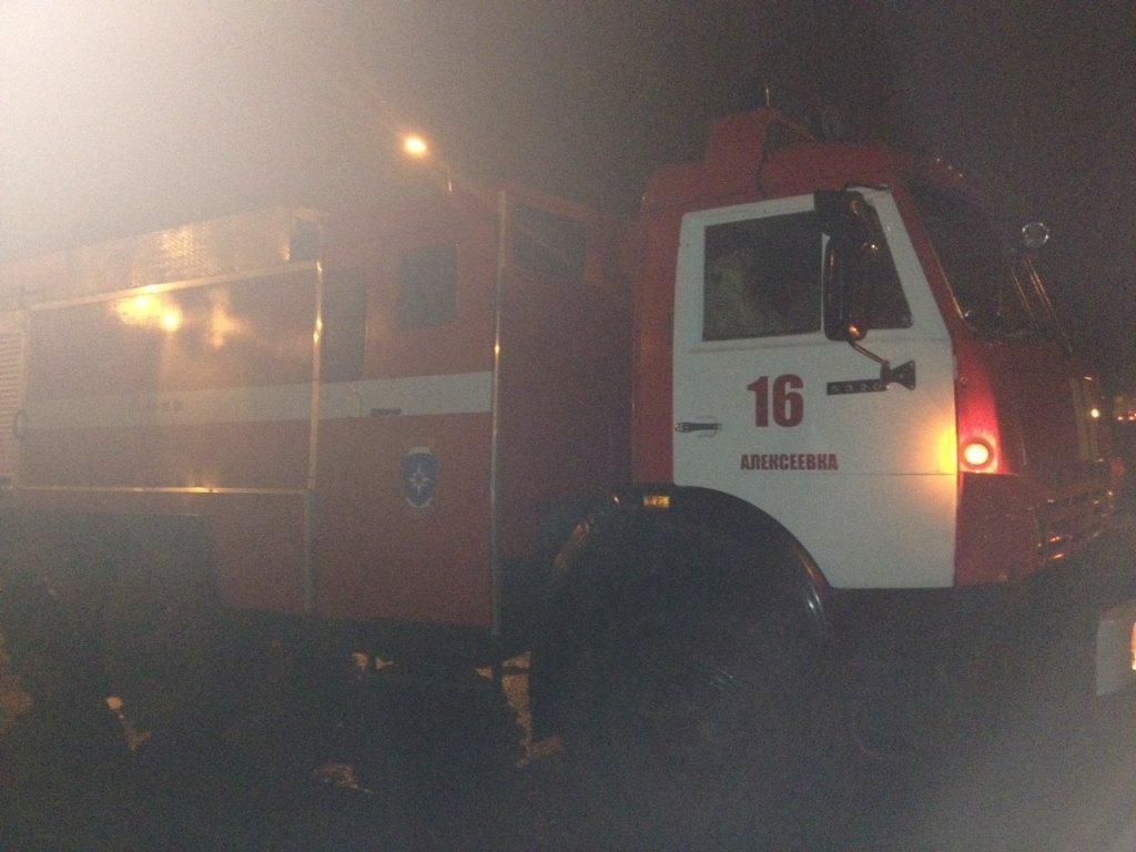 Спасатели МЧС России приняли участие в ликвидации ДТП в хуторе Сыроватский Алексеевского городского округа