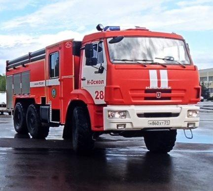 Спасатели МЧС России приняли участие в ликвидации ДТП в городе Новый Оскол