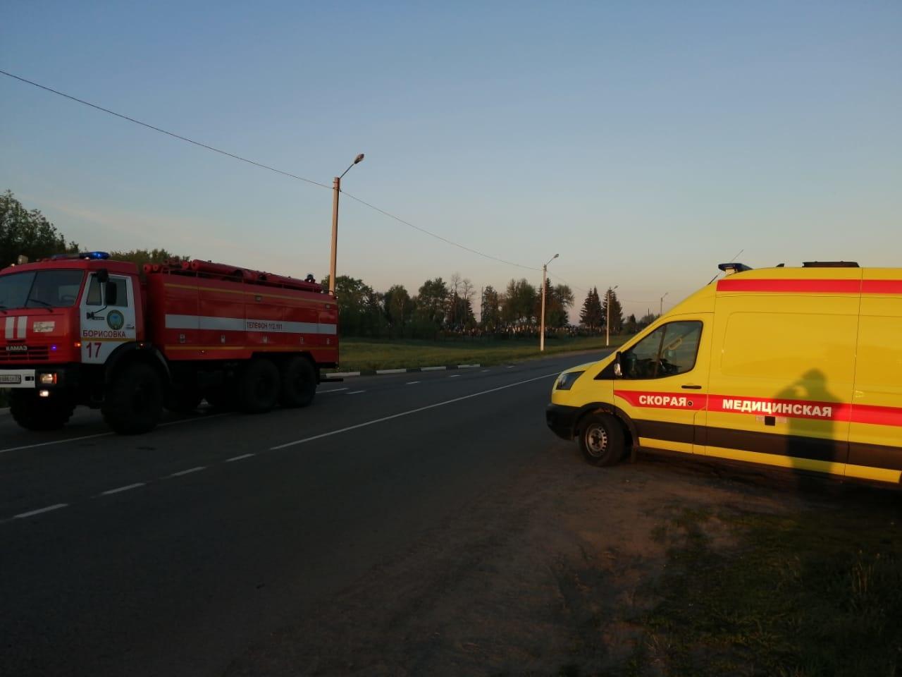 Спасатели МЧС России приняли участие в ликвидации ДТП в поселке Борисовка Белгородской  области