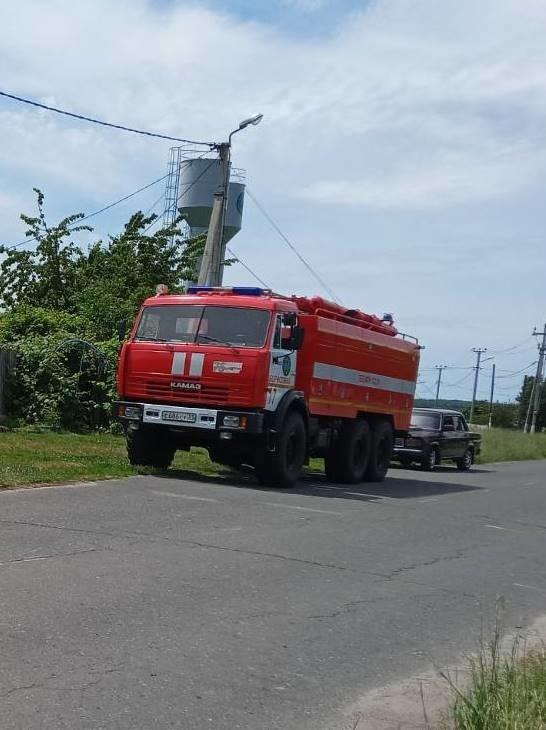 Спасатели МЧС России приняли участие в ликвидации ДТП в селе Хотмыжск Борисовского района