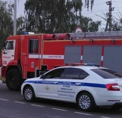 Спасатели МЧС России приняли участие в ликвидации ДТП в городе Новый Оскол по улице Ливенская