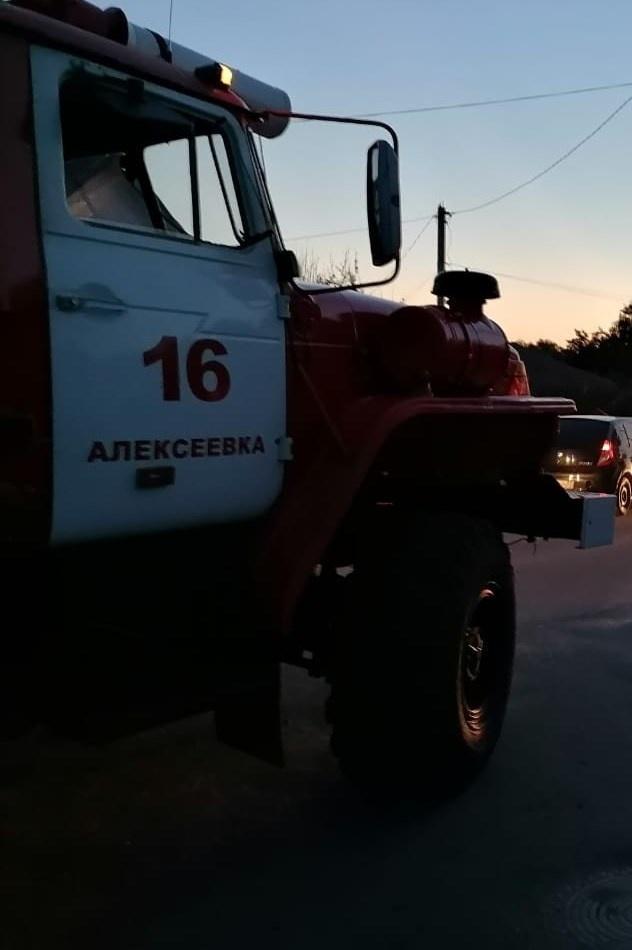Спасатели МЧС России приняли участие в ликвидации ДТП в городе Алексеевка Белгородской области