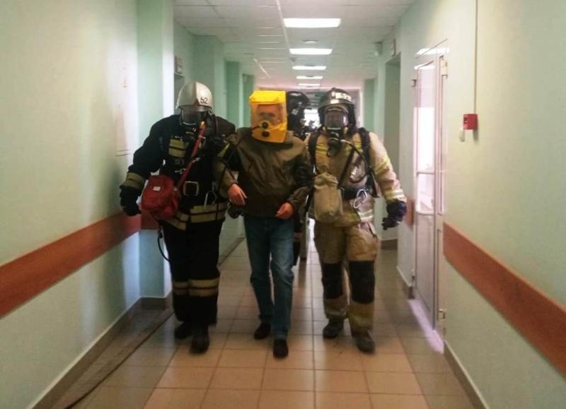 В Новотаволжанской больнице медицинской реабилитации прошли пожарно-тактические учения